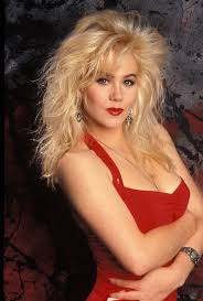 christina applegate hairstyles christina applegate they were young pinterest 80 s actresses