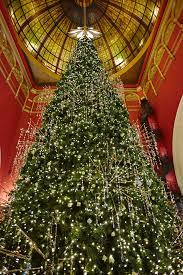 Swarovski Christmas Tree Decorations by Fashion U0027s Finest Launch Qvb U0027s Swarovski Christmas Tree