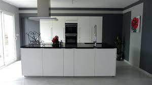 cuisine ouverte moderne modele cuisine ouverte salon central 4 2 socialfuzz me