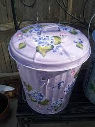 Backyard Garbage Cans by 21 Best Trash Cans Images On Pinterest Crafts Projects And Rain