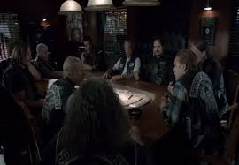 Sons Of Anarchy Meeting Table Sons Of Anarchy 10 Ways To Identify A Fellow Fan