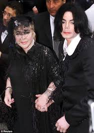 elizabeth taylor died elizabeth taylor hospitalised as she struggles to cope with michael
