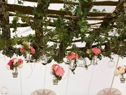 Wedding Trellis Flowers 13 Genius Places To Hang A Wedding Garland