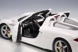 porsche 911 carrera gts white white porsche carrera gt autoart au78045 scale 1 18 78045 eztoys