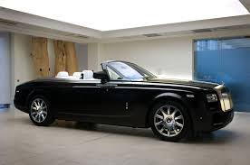 rolls royce drophead interior bespoke rolls royce phantom drophead coupé with red carbon fibre