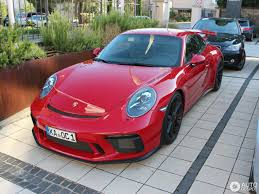 porsche chalk carmine red 2018 porsche 911 gt3 is a sight for sore eyes