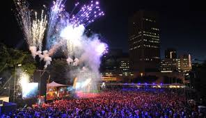 make the adderley street festive lights switch on the first thing