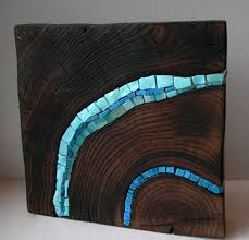 mosaic on stump bloc wooden stump blue sculpture1 stumps as