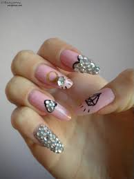 nails with diamonds beautify themselves with sweet nails