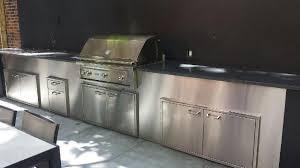 outdoor kitchen backsplash lynx kitchen