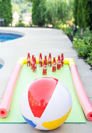 Diy Bowling Favors by Diy Lawn To Keep Your Entertained All Summer Also
