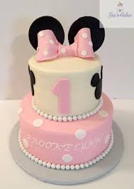 minnie mouse 1st birthday cake mouse 2 tier birthday cake