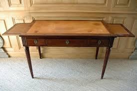 bureau en acajou bureau plat en acajou de cuba époque louis xvi