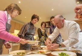 cours de cuisine bruxelles cours de cuisine et expériences culinaires en wallonie