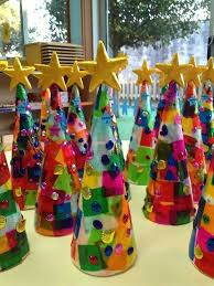 Decorate Christmas Tree Paper by Best 25 Christmas Tree Crafts Ideas On Pinterest Christmas