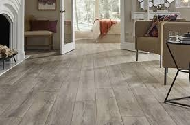 what color of vinyl plank flooring goes with honey oak cabinets the best flooring color with these four tips