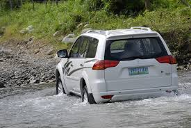 old mitsubishi montero thirteen cars that can pass through floods