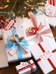 Beautifully Wrapped Gifts - how to wrap christmas presents beautifully my web value