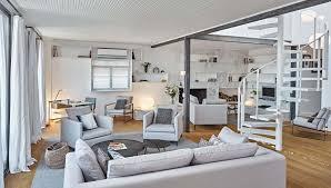 coin bureau design moderne et minimaliste design pour cet appartement avec vue sur le