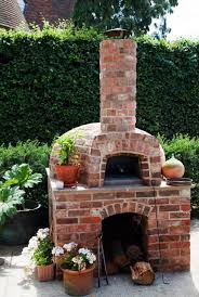 how to make pizza in a wood fired oven
