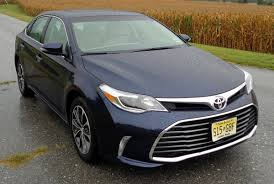 lexus es vs avalon comparison review 2017 buick lacrosse genesis g80 kia cadenza