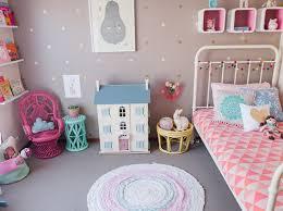 chambre de fille 2 ans chambre fille 7 ans idées décoration intérieure farik us