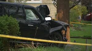 siu investigating after car crashes into tree in city u0027s weston