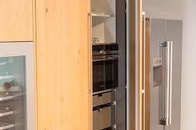 cuisine cach馥 par des portes cuisine cach馥 par des portes 28 images la porte de grange en