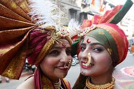 indian people dressed up for traditional festival 3 chinadaily