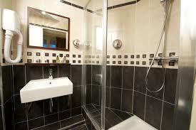 salle de bain luxe grande petite salle de bain déco moderne visite privée