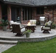 Berlin Gardens Patio Furniture Deep Seating With A Berlin Gardens Donoma Concrete Top Fire Pit
