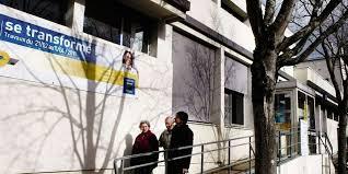 bureau de poste bordeaux la poste donne un coup de à ses bureaux sud ouest fr