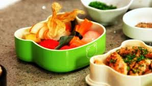 How To Put A Box Together How To Put Together An Easy Bento Box Howcast The Best How To