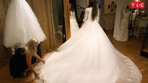 jinger finds the perfect wedding dress counting on youtube