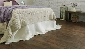 wohnideen laminat farbe schlafzimmer fliesen oder laminat bodenbelag f rs wohnzimmer