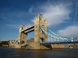 tower bridge london twilight wallpapers london city road evening travel wallpaper full 9427 wallpaper