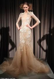 designer wedding dresses 2011 behati prinsloo borrowed marchesa design for adam levine wedding