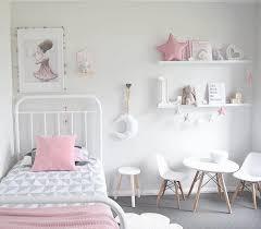 objet deco chambre bebe 1001 idées chambre bébé scandinave le blanc de l innocence
