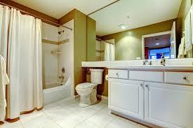 badezimmer vorhang grünes und weißes badezimmer mit wanne und wanne mit vorhang