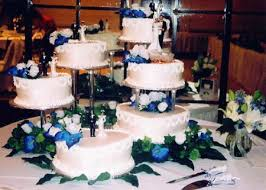 tiered wedding cakes how to make a tiered wedding cake the wedding specialiststhe