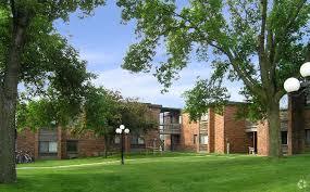 1 bedroom apartments in iowa city emerald court apartments rentals iowa city ia apartments com