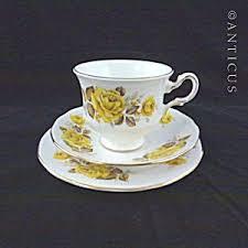 roses teacups bone china trio yellow roses teacups vintage