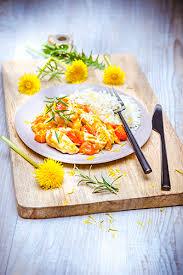 cuisiner les fleurs cuisiner avec des fleurs companion moulinex mijoté de poulet tomates