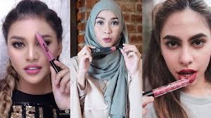 Lipstik Zaskia Adya Mecca geluti bisnis kecantikan 7 artis ini punya brand lipstik sendiri