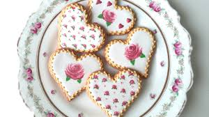 Icing To Decorate Cookies How To Decorate Rose Cookies For Valentine U0027s Day Youtube