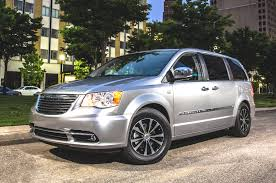 2015 minivan review 2015 chrysler town u0026 country platinum bestride