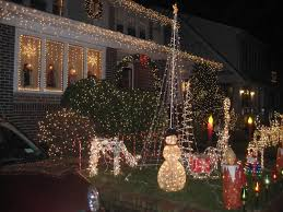 dyker heights brooklyn christmas lights dyker heights christmas draws more than 100 000 visitors each year