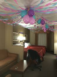 How To Decorate Our Home How To Decorate A Room With Streamers And Balloons Those