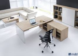 mobilier de bureau professionnel design bureau de direction contemporain en plaqué bois professionnel