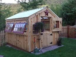 Backyard Green House Best 25 Backyard Greenhouse Ideas On Pinterest Diy Greenhouse